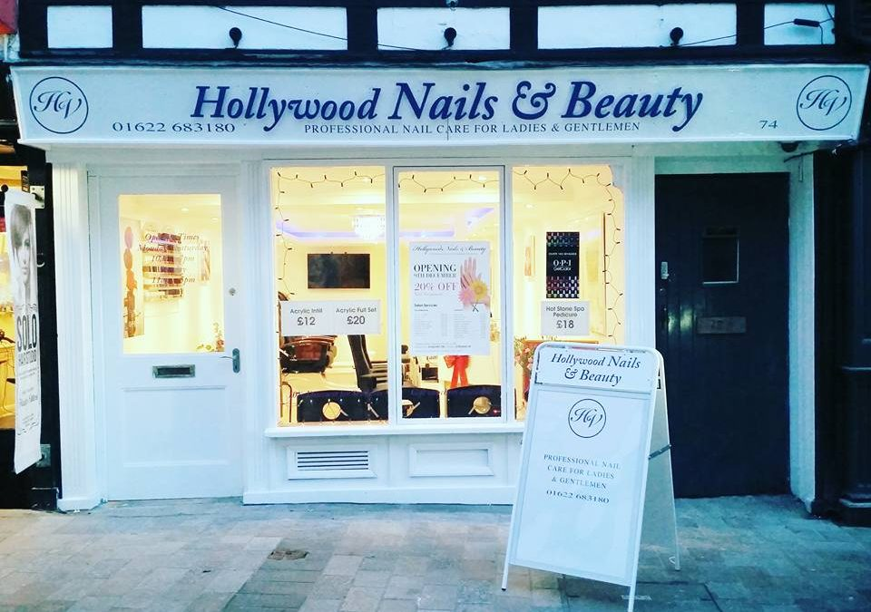 Hollywood Nails & Beauty Signage